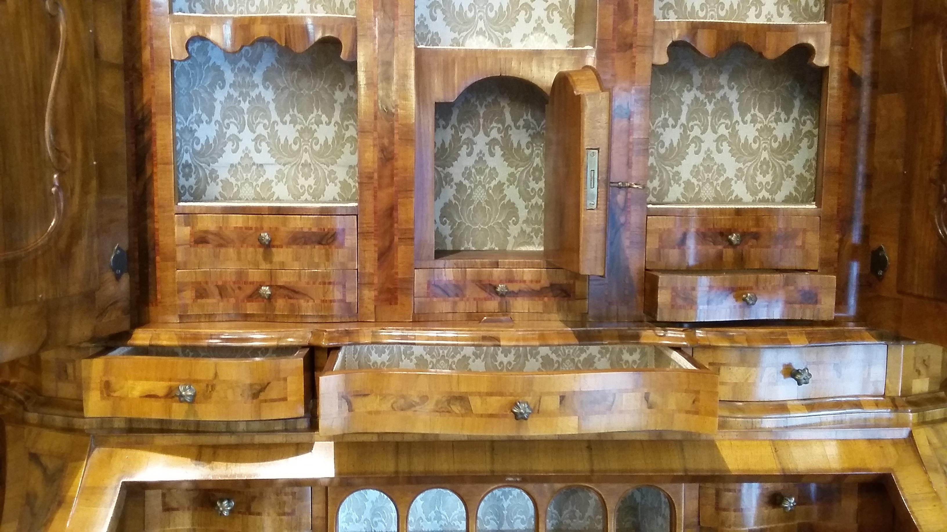 Trumeau in stile lombardo veneto artigianato veneto for Produttori mobili veneto